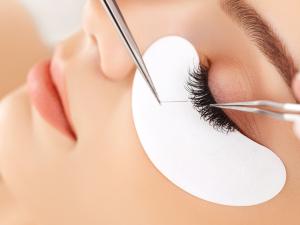 Classic Eyelash Extension Course